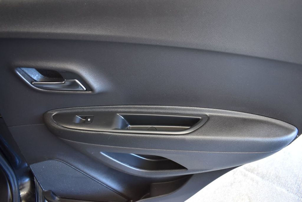 2017 Chevrolet Trax AWD 4dr LT - 18122108 - 17