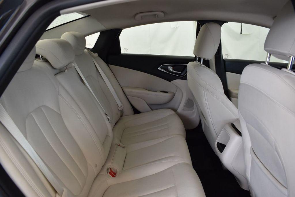 2017 Chrysler 200 200C Platinum AWD - 18078915 - 22