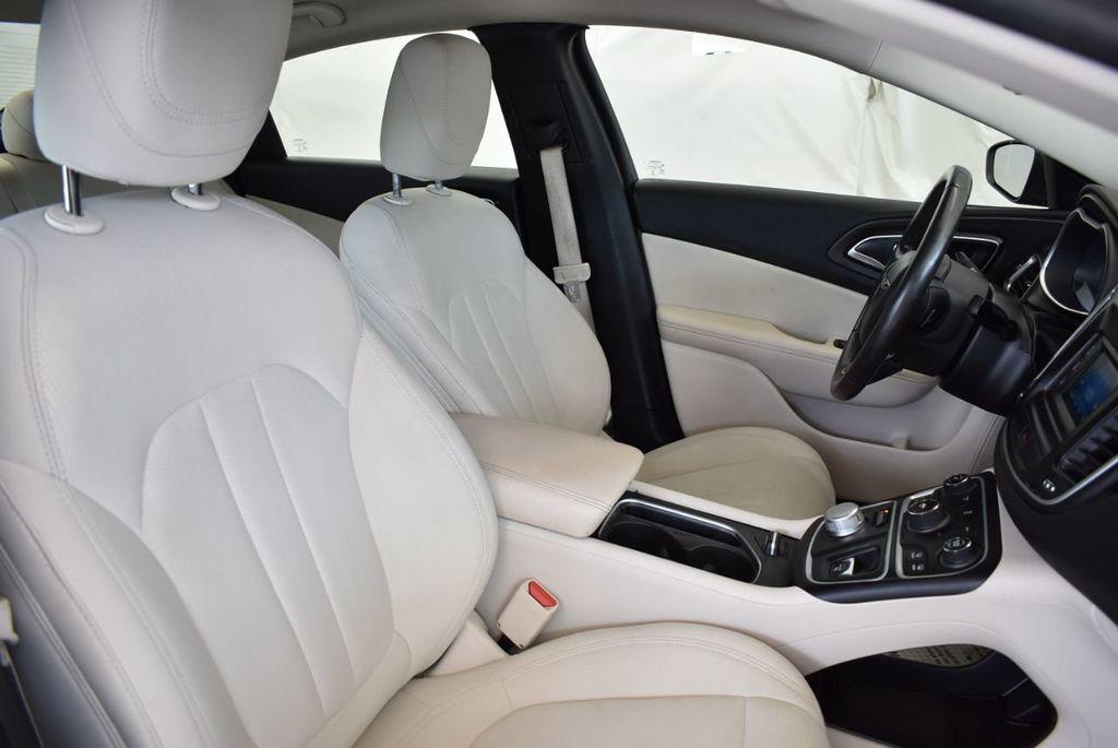 2017 Chrysler 200 200C Platinum AWD - 18078915 - 25