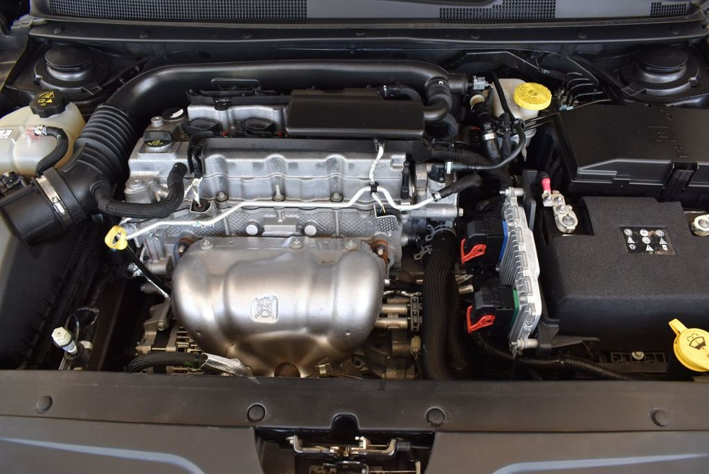 2017 Chrysler 200 200C Platinum AWD - 18078915 - 26