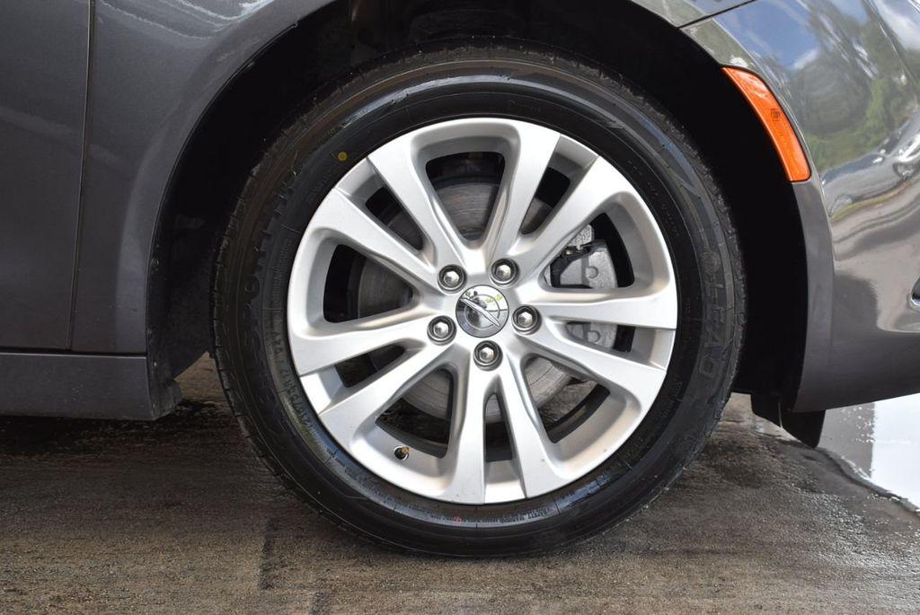 2017 Chrysler 200 200C Platinum AWD - 18078915 - 8