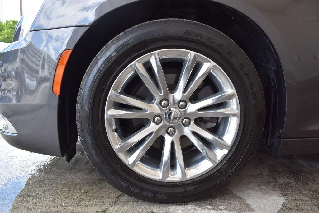 2017 Chrysler 300 300C RWD - 18093617 - 9