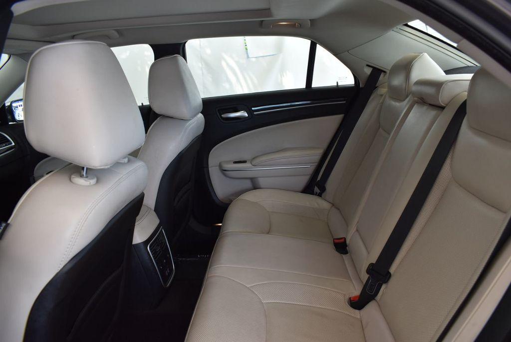 2017 Chrysler 300 300C RWD - 18093617 - 10
