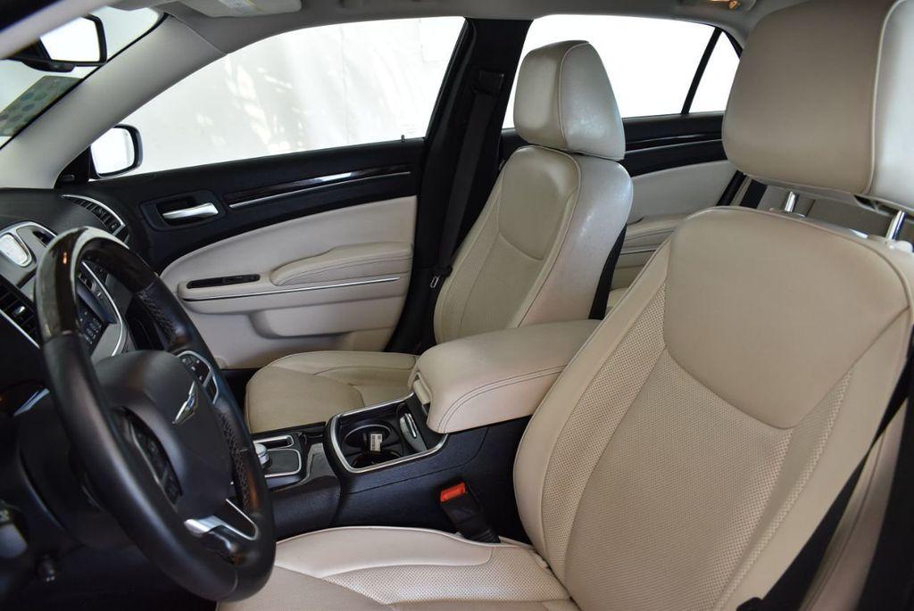 2017 Chrysler 300 300C RWD - 18093617 - 12