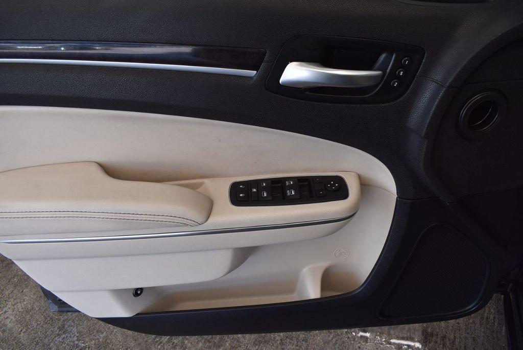 2017 Chrysler 300 300C RWD - 18093617 - 13
