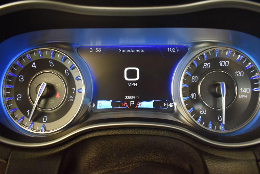 2017 Chrysler 300 300C RWD - 18093617 - 14