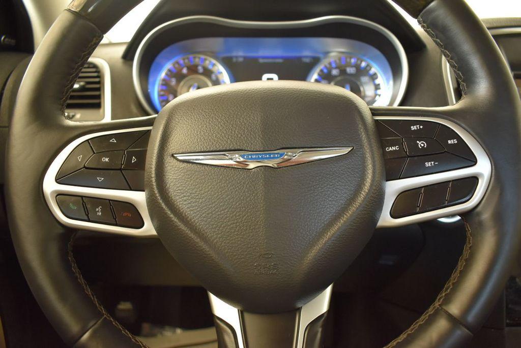 2017 Chrysler 300 300C RWD - 18093617 - 15