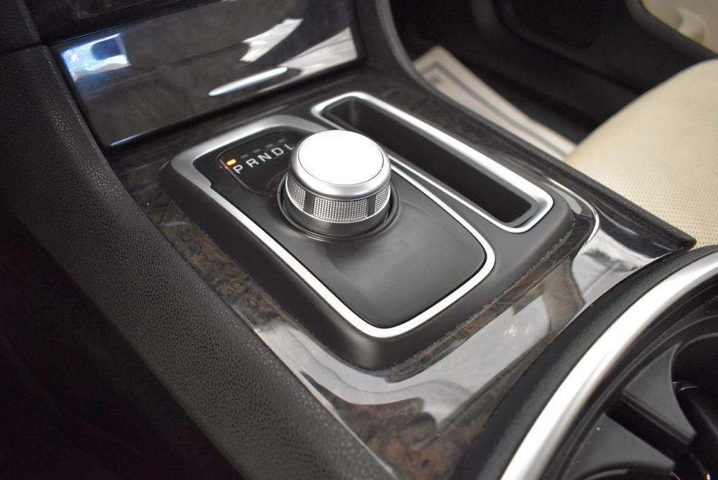 2017 Chrysler 300 300C RWD - 18093617 - 19