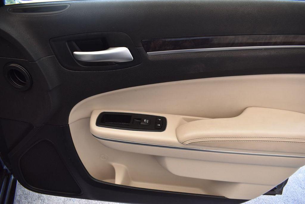 2017 Chrysler 300 300C RWD - 18093617 - 22