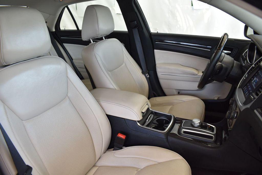 2017 Chrysler 300 300C RWD - 18093617 - 23