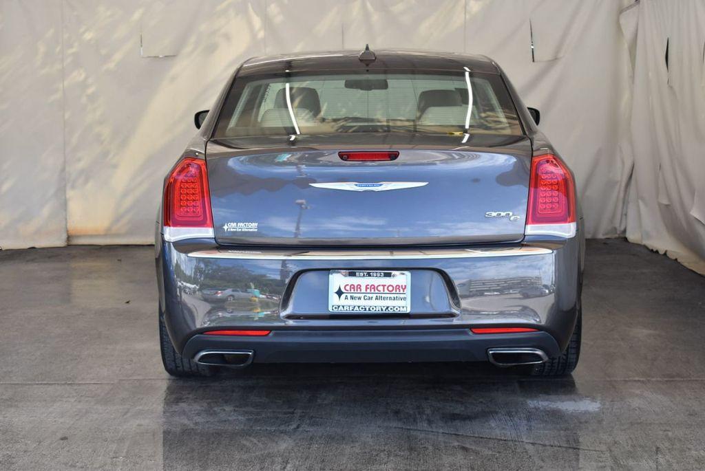 2017 Chrysler 300 300C RWD - 18093617 - 5