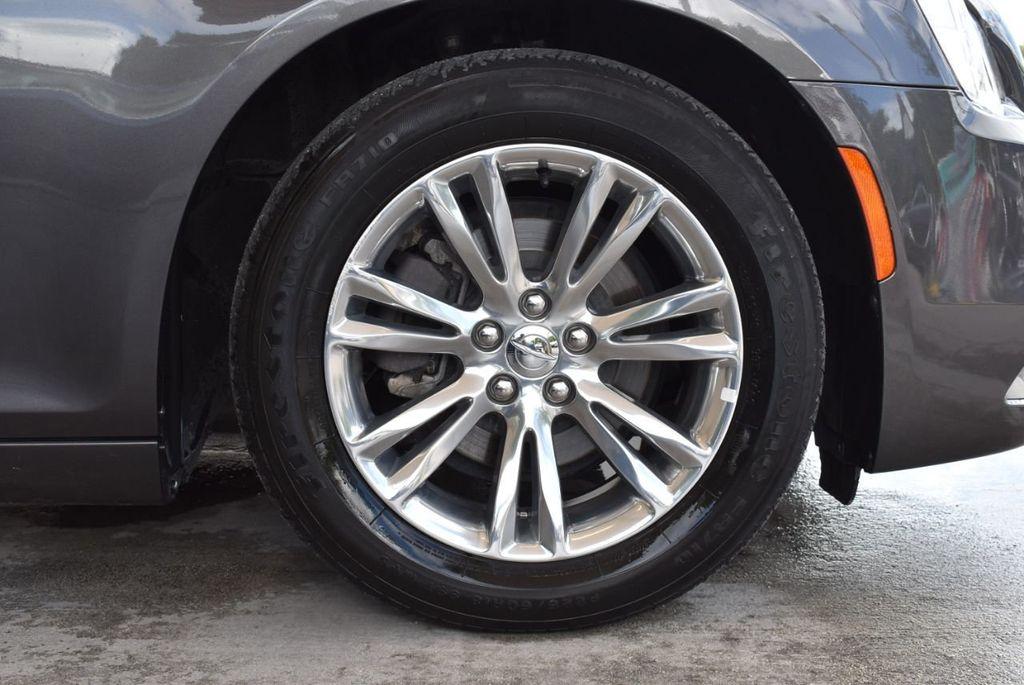 2017 Chrysler 300 300C RWD - 18093617 - 6