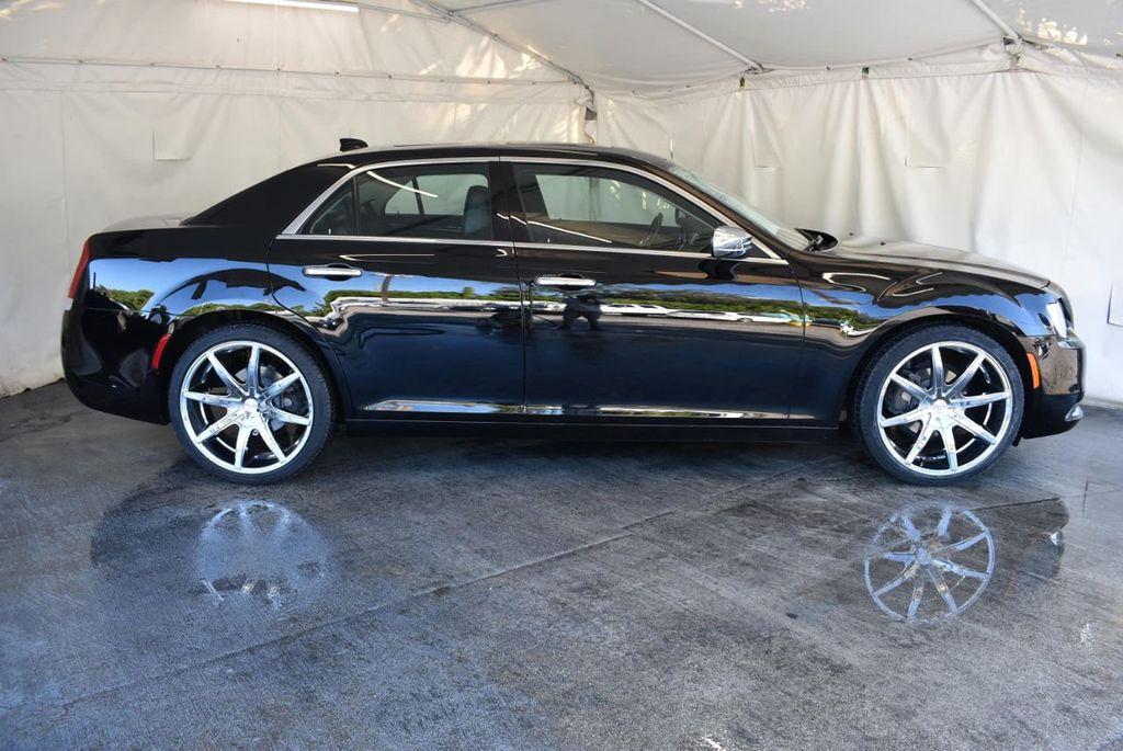 2017 Chrysler 300 300C RWD - 18093618 - 2