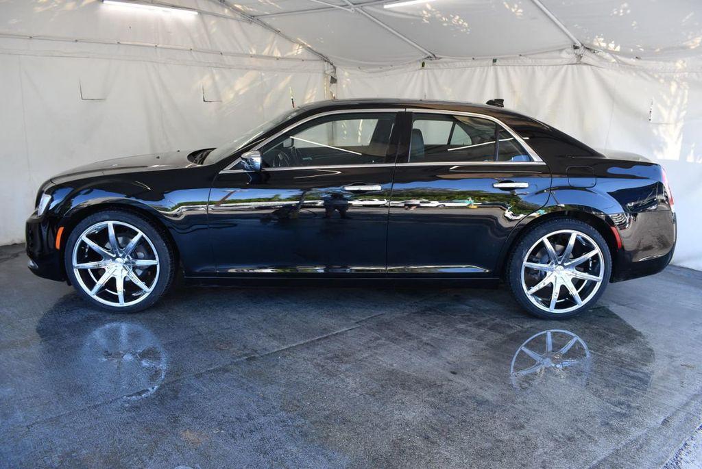 2017 Chrysler 300 300C RWD - 18093618 - 4