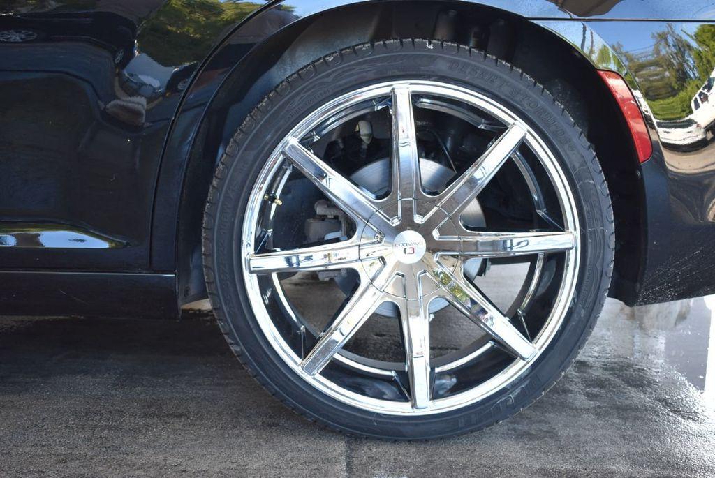 2017 Chrysler 300 300C RWD - 18093618 - 8
