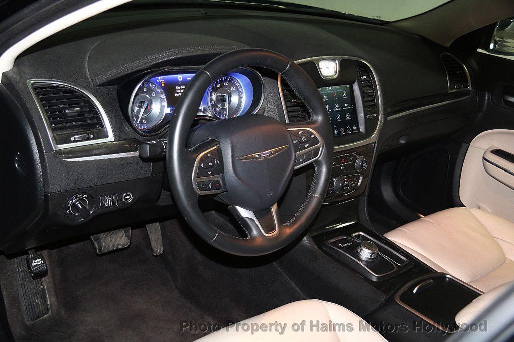 2017 Chrysler 300 Limited Rwd 18147510 16