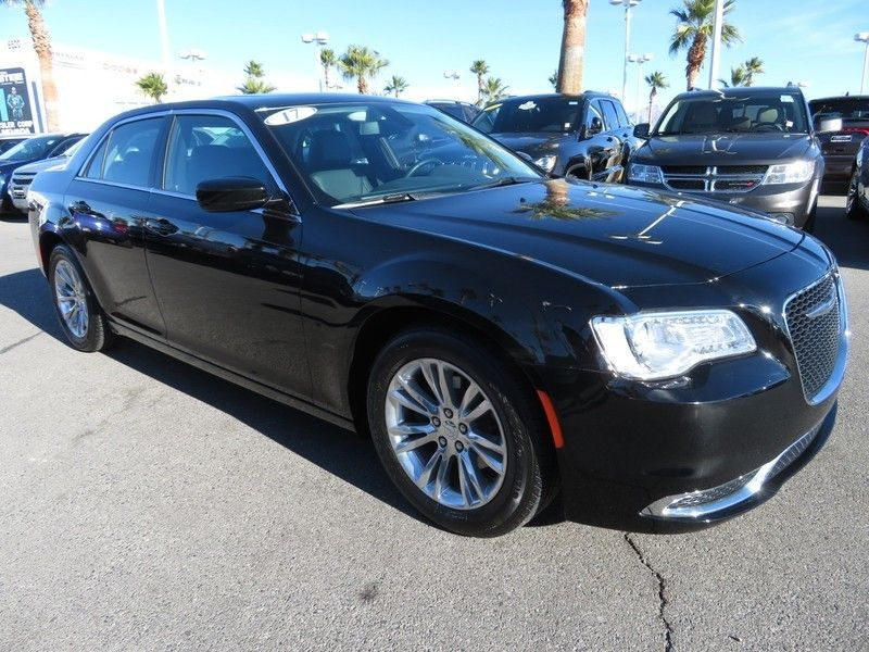 2017 Chrysler 300 Limited RWD - 17152750 - 2