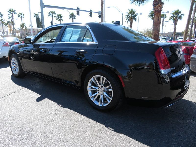 2017 Chrysler 300 Limited RWD - 17407058 - 9