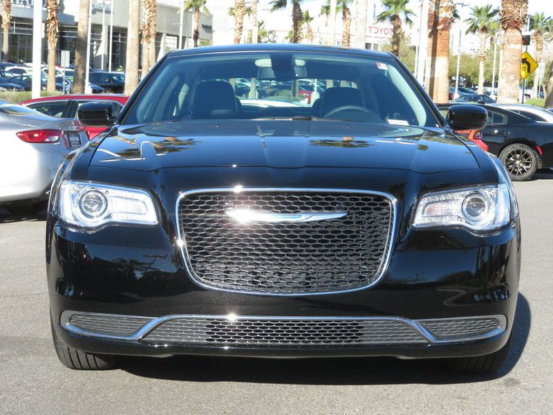 2017 Chrysler 300 Limited RWD - 17408122 - 1