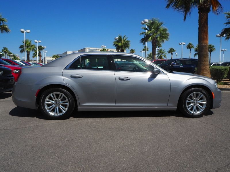 2017 Chrysler 300 Limited RWD - 17685164 - 3