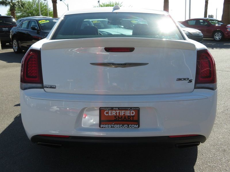 2017 Chrysler 300 S - 17582699 - 10