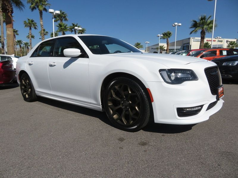 2017 Chrysler 300 S - 17582699 - 2