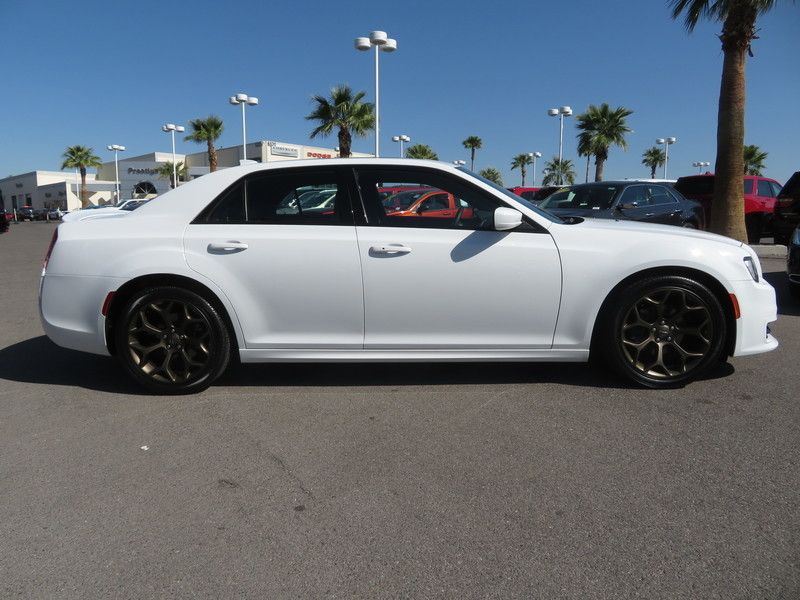 2017 Chrysler 300 S - 17582699 - 3