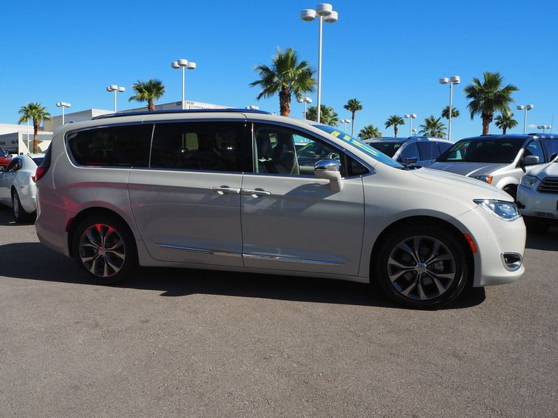 2017 Chrysler Pacifica Limited 4dr Wagon - 17677102 - 3