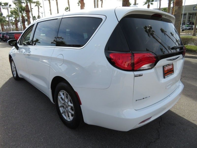 2017 Chrysler Pacifica LX 4dr Wagon - 17242244 - 10