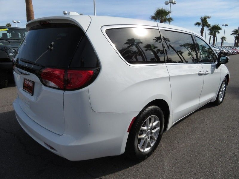 2017 Chrysler Pacifica LX 4dr Wagon - 17242244 - 12