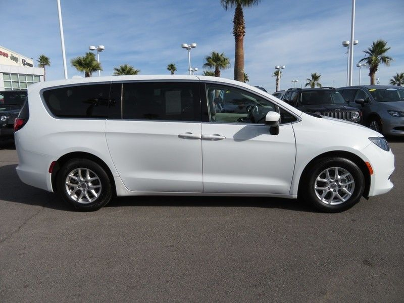 2017 Chrysler Pacifica LX 4dr Wagon - 17242244 - 3