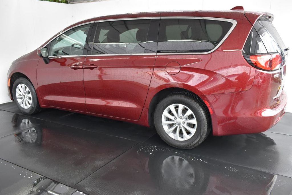 2017 Chrysler Pacifica Touring 4dr Wagon - 18497645 - 3