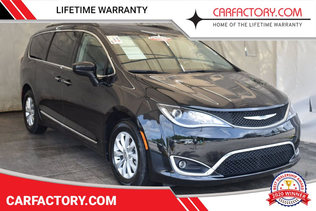 2017 Chrysler Pacifica Touring-L 4dr Wagon - 17958532 - 0