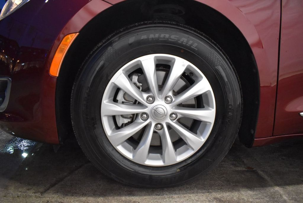 2017 Chrysler Pacifica Touring-L 4dr Wagon - 18250868 - 9