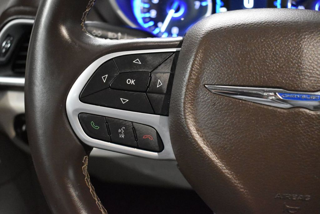 2017 Chrysler Pacifica Touring-L 4dr Wagon - 18250868 - 17