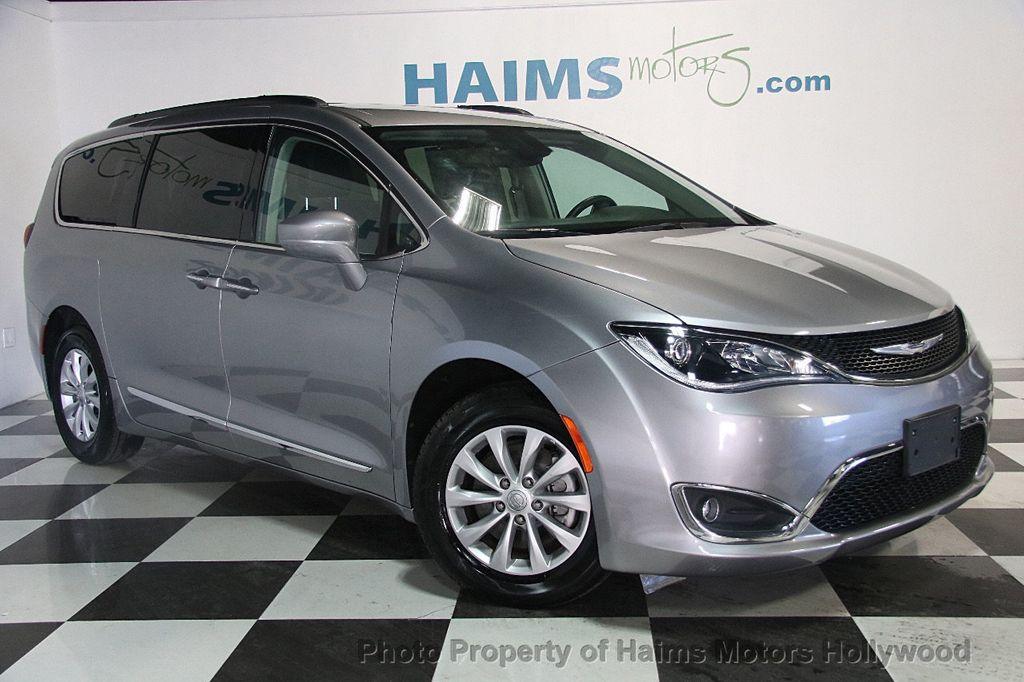 2017 Chrysler Pacifica Touring-L 4dr Wagon - 17382285 - 3