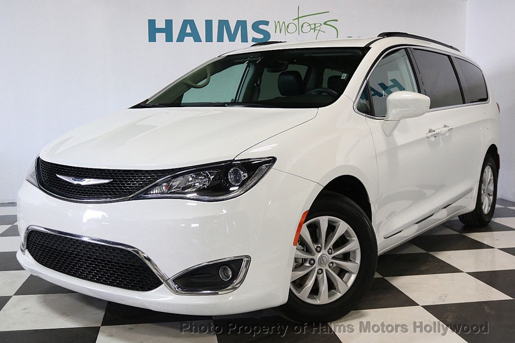 2017 Chrysler Pacifica Touring-L 4dr Wagon - 17558841 - 1