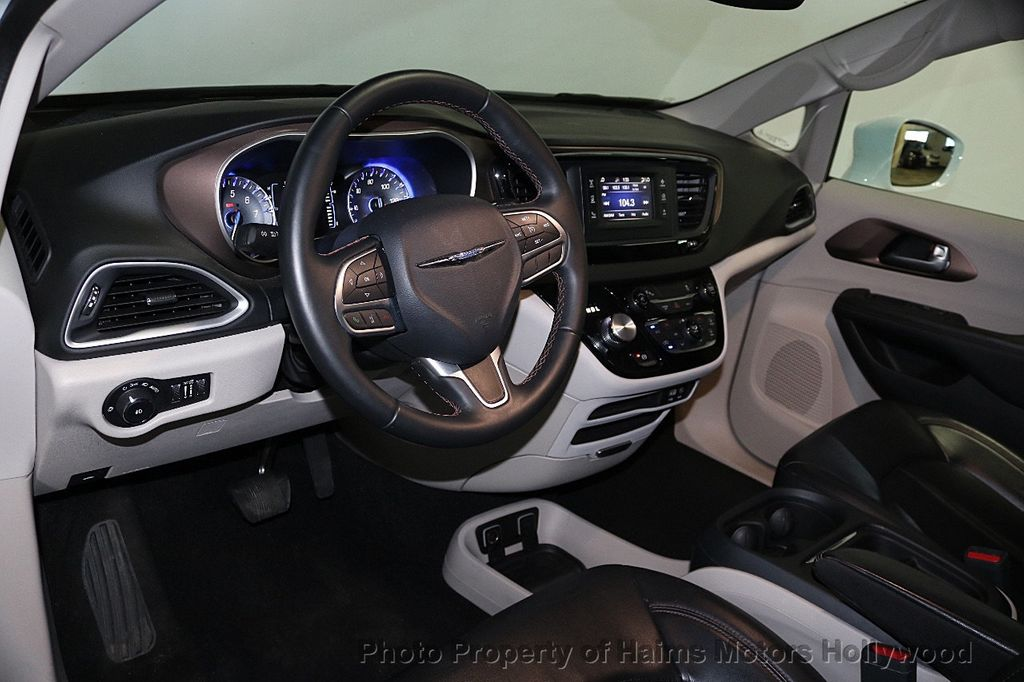 2017 Chrysler Pacifica Touring-L 4dr Wagon - 17558841 - 21