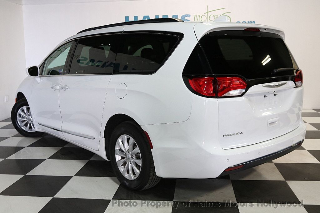 2017 Chrysler Pacifica Touring-L 4dr Wagon - 17558841 - 4