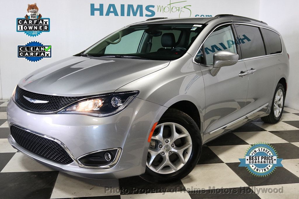 2017 Chrysler Pacifica Touring-L 4dr Wagon - 18534918 - 0