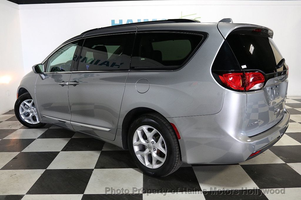 2017 Chrysler Pacifica Touring-L 4dr Wagon - 18534918 - 4