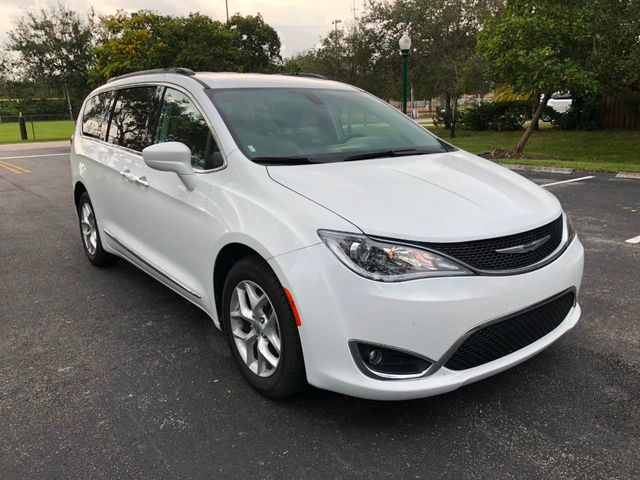 2017 Chrysler Pacifica Touring-L 4dr Wagon - Click to see full-size photo viewer
