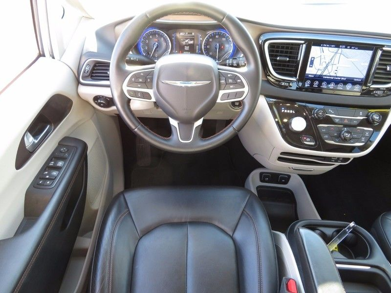 2017 Chrysler Pacifica Touring-L 4dr Wagon - 16847864 - 10