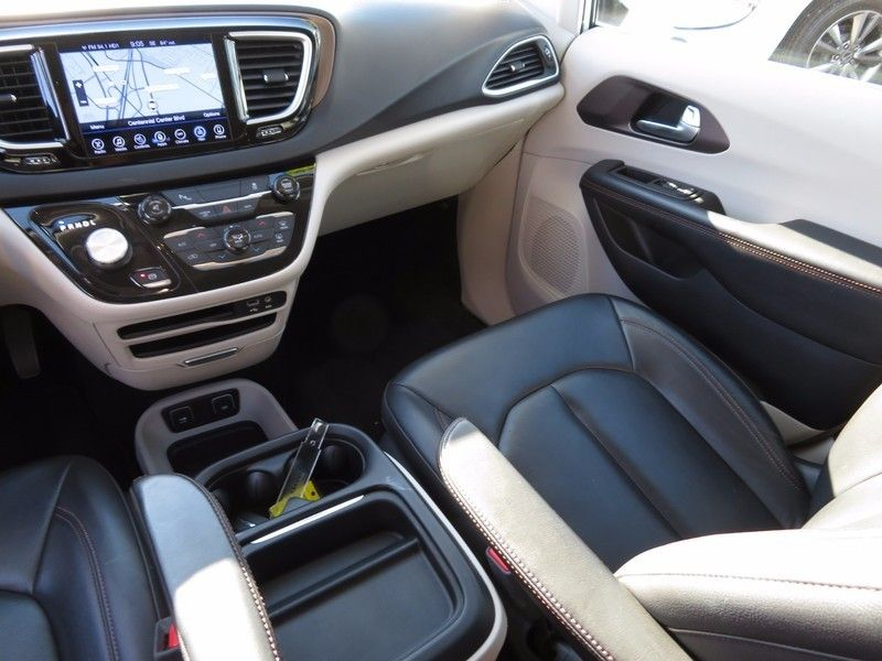 2017 Chrysler Pacifica Touring-L 4dr Wagon - 16847864 - 11