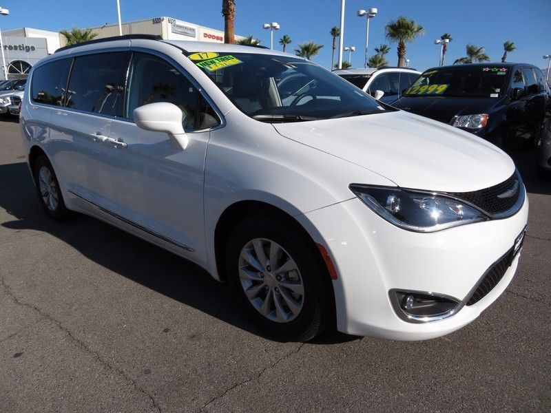 2017 Chrysler Pacifica Touring-L 4dr Wagon - 16847864 - 2