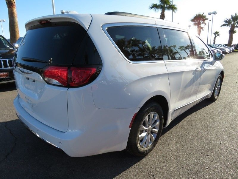 2017 Chrysler Pacifica Touring-L 4dr Wagon - 17234791 - 12