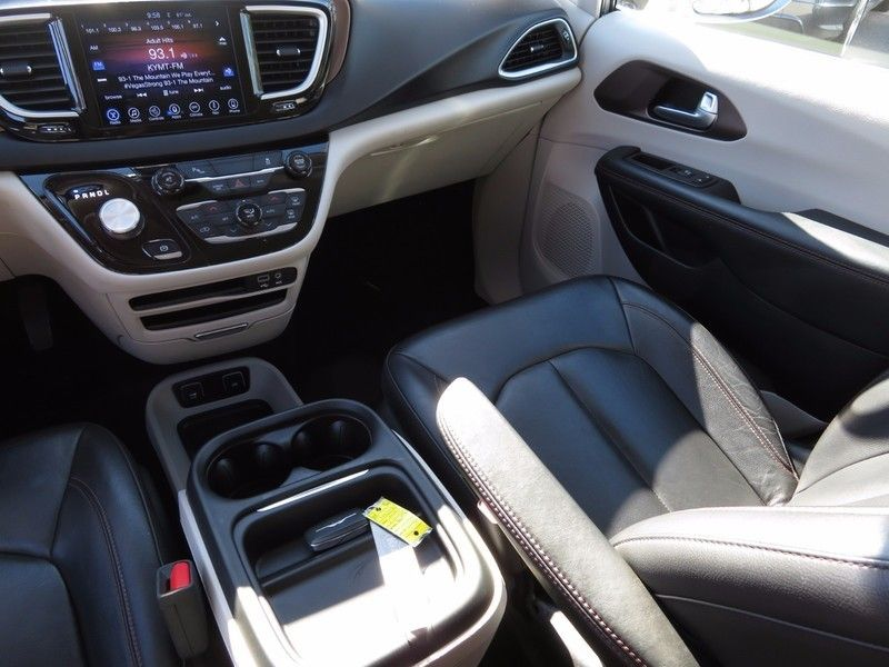 2017 Chrysler Pacifica TOURL - 16735588 - 11