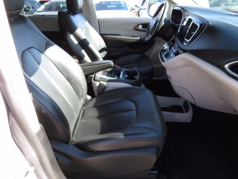 2017 Chrysler Pacifica TOURL - 16735588 - 15