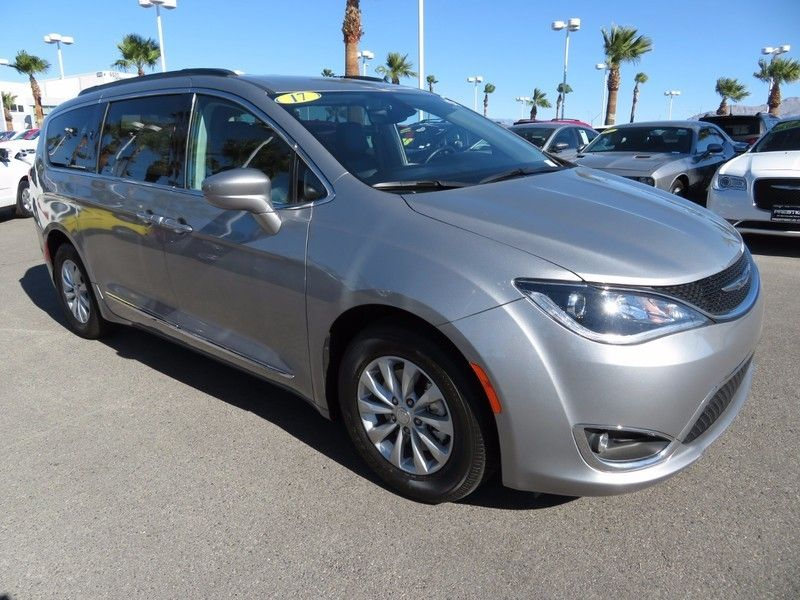 2017 Chrysler Pacifica TOURL - 16735588 - 2