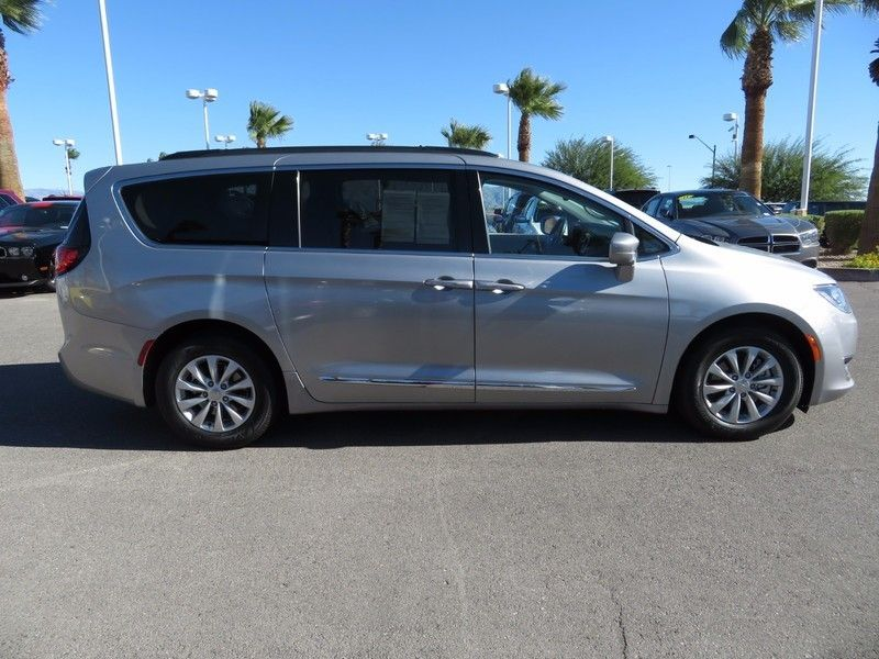 2017 Chrysler Pacifica TOURL - 16735588 - 3